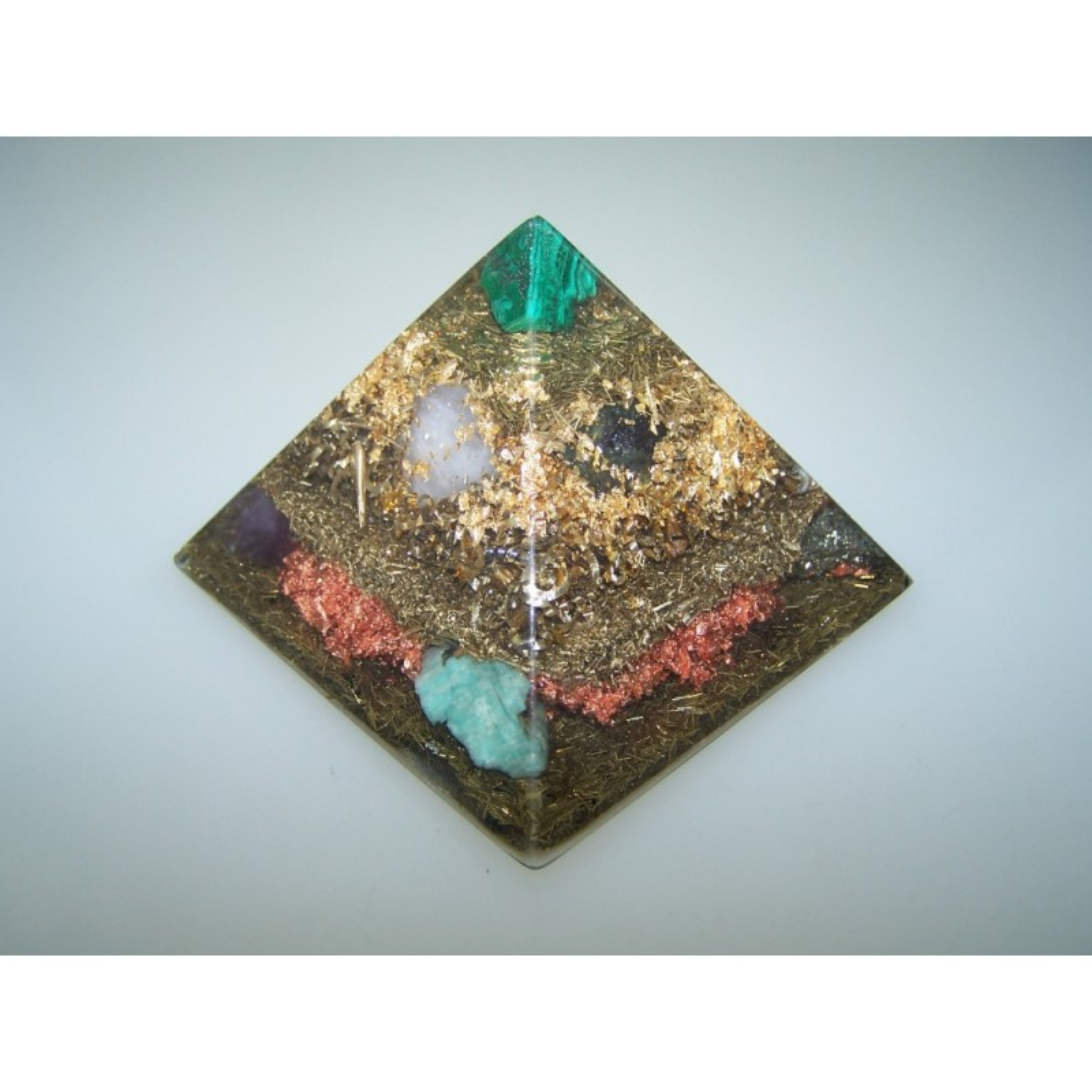 Orgon Orgonit Pyramide Blattgold Amethyst Lapis Schungit Turmalin Pyrit u.a